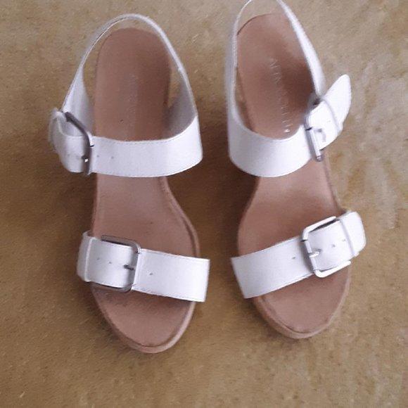 AEROSOLES Shoes   White Sandals   Poshmark